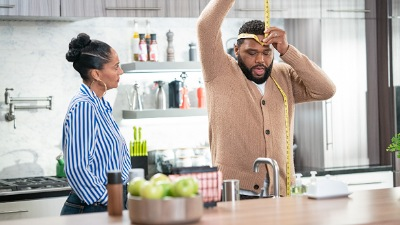 Black-ish 06x04 : When I Grow Up (to Be a Man)- Seriesaddict